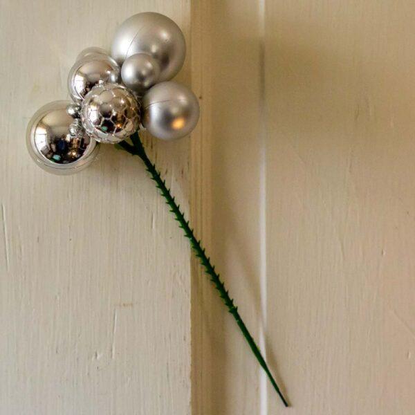 Ornament pick silver ball