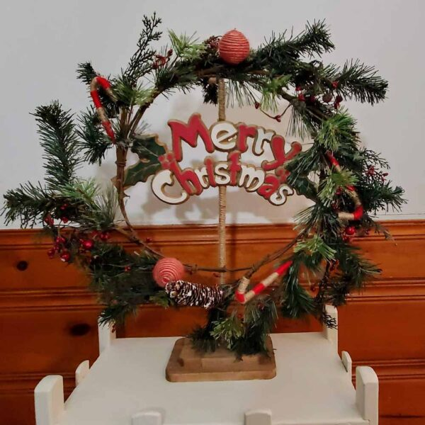 Wreath Standing with Yarn Ornaments